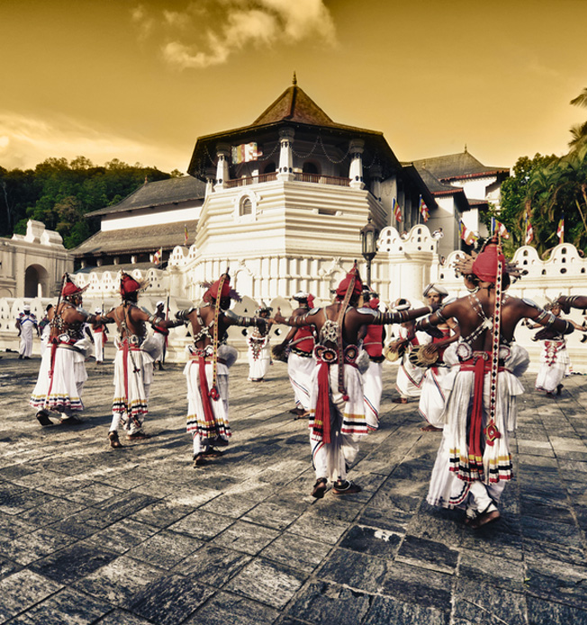 Witness a Traditional Kandyan Dancing and Drumming Performance